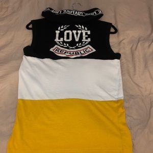 Tops - Really cute hooded sleeveless shirt.